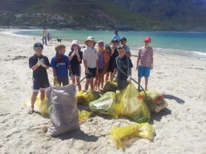 Beach-Clean-Up-2-300x225